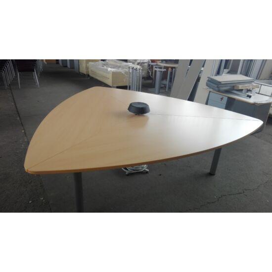 Steelcase 3 oldalú tárgyalóasztal elektromos csatlakozóval/ EY-200