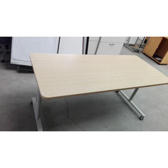 Steelcase íróasztal/görgős lábbal PF-02