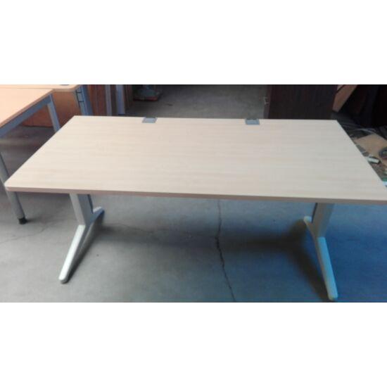 Steelcase Fusion asztal  PF-03