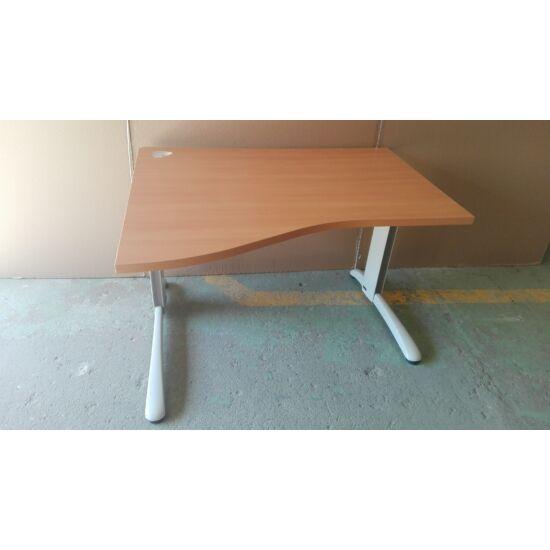 Steelcase íves íróasztal SCJ-030