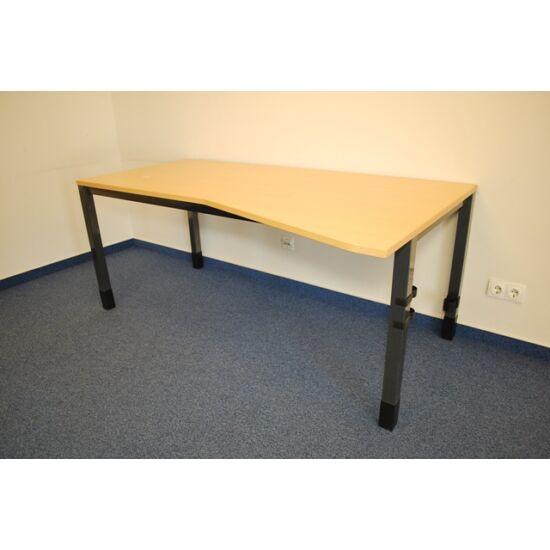 Asztal jobbos - Quba    TCH-02