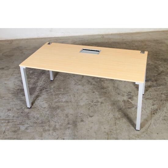 Steelcase egyenes asztal  Kalidro    VO-90