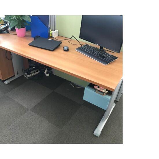 Irodai asztal CH-07