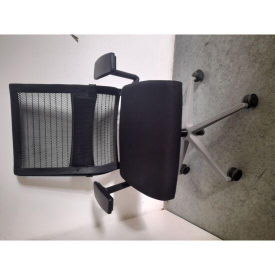 Steelcase Think görgős munkaszék BHP-01