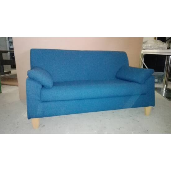 Kétszemélyes kanapé DI-02