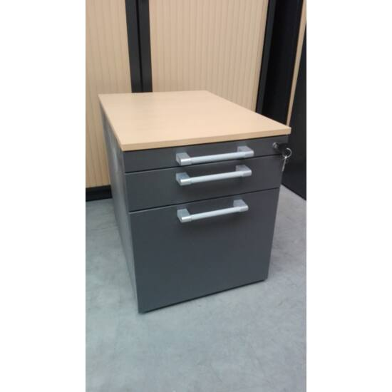 Steelcase görgős konténer DIA-003
