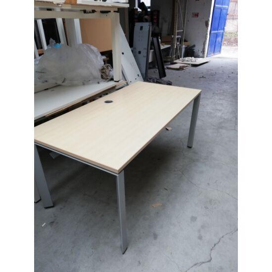 Steelcase Frame One íróasztal OR-02